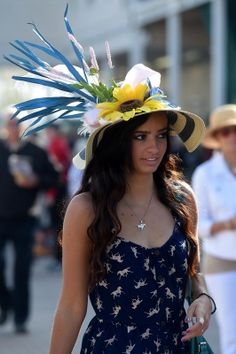 Kentucky Derby 2014 hats and fashion. Love the horse print dress :)