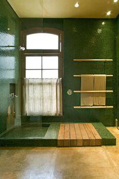 Banheiro Filho: Banheiros campestres por Mario Caetano e Eliane Pinheiro