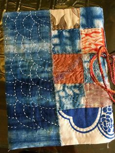First Post in 2018 Japanese Quilts, Japanese Textiles, Japanese Fabric, Hand Embroidery Designs, Embroidery Art, Embroidery Patterns, Shibori, How To Dye Fabric, Fabric Art