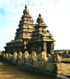 Tempel van het Strand, Pallava dynastie, begin 8e eeuw na Chr., Mamallapuram, Tamil Nadu