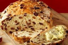 Recept: Krentenbrood - Koopmans.com Dutch Recipes, Pastry Recipes, Low Carb Recipes, Bread Machine Recipes, Bread Recipes, Piece Of Bread, Bread And Pastries, Sweet Bread, Raisin