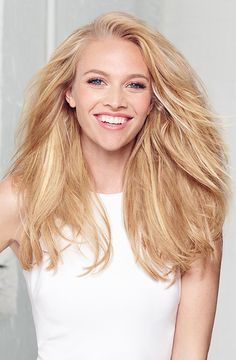 Bigger hair that lasts, no teasing! Get it with Living Proof's Full Dry Volume Blast.
