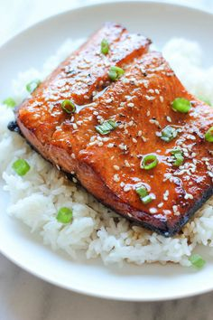 Salmon Sesame Ginger Salmon - A super easy salmon dish bursting with so much flavor, and it's hearty-healthy too!Sesame Ginger Salmon - A super easy salmon dish bursting with so much flavor, and it's hearty-healthy too! Salmon Recipes, Fish Recipes, Seafood Recipes, Asian Recipes, Cooking Recipes, Healthy Recipes, Lasagna Recipes, Cod Recipes, Fudge Recipes