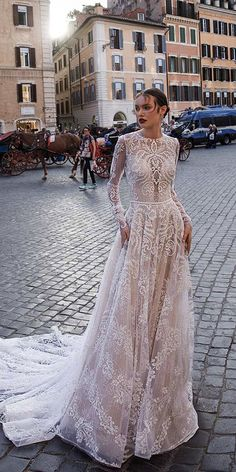 15 Vintage Wedding Dresses With Sleeves You'll Love ❤️ romantic lace vintage wedding dresses with long sleeves by birenzweig bridal ❤️ Full gallery: weddingdressesgui. Short Wedding Gowns, Sheath Wedding Gown, Wedding Dresses 2018, Wedding Dress Styles, Bridal Dresses, Bridesmaid Dresses, Cocktail Party Outfit, Marchesa, Ärmelloser Pullover