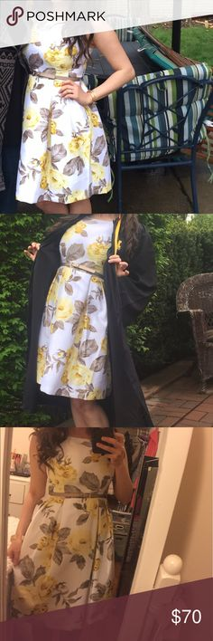 "Floral dress ☀️ Perfect summer dress! I'm 5' 1"" and it falls below knee. Freshly dry cleaned. Worn only once for my college graduation. One of my most memorable days. Super comfortable & modest and it also hides your figure well. Belt included! No damage. Let me know if more pictures are needed! 🌼💛 Dresses Midi"