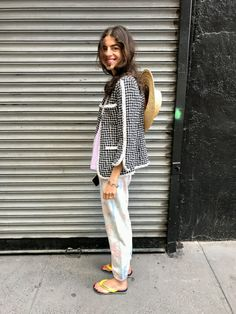 Here's How to Wear the Sandal Trend of the Summer Basic Outfits, Summer Outfits, Summer Wear, Spring Summer, Chill Style, Girl Fashion, Fashion Looks, Leandra Medine, Spring Street Style