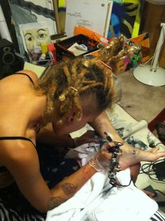 Kelow tatting herself...absolutely love her!