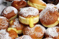 Οι τέλειοι νηστίσιμοι λουκουμάδες από τον Τάσο Αντωνίου! Φτιάξτε τους δικούς σας νηστίσιμους λουκουμάδες με γέμιση σοκολάτα, κρέμα, ή σκέτους με μέλι και καρύδια.