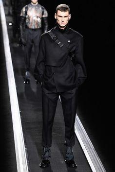 Herbst/Winter 2019 Menswear - Dior Men - Look 3 Fashion Week Paris, Mens Fashion Week, Winter Fashion, Mens Style Looks, Men Looks, Style Men, Men's Style, Classy Style, Stylish Mens Fashion