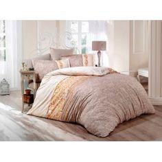 Una dintre cele mai de lux  este gama Satin Bumbac , cunoscuta si ca Satin Deluxe. Lenjeriile din aceasta gama ofera un confort exceptional datorita materialului de inalta calitate si foarte fin la atingere. De asemenea, tesatura este foarte rezistenta atat la rupere cat si la decolorare, imprimeul fiind realizat cu o tehnologie de ultima generatie. Retro, Bed, Furniture, Home Decor, Decoration Home, Stream Bed, Room Decor, Home Furnishings, Beds