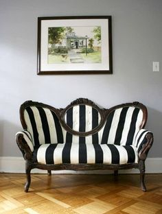Nothing perks up an old piece of furniture quite like new upholstery. If you& looking for a chair or sofa that will make a statement, something a little out of the ordinary, take a gander at these 10 creative ways to reupholster old furniture. Victorian Couch, Victorian Furniture, Old Furniture, Apartment Furniture, Furniture Makeover, Vintage Furniture, Furniture Decor, Geek Furniture, Western Furniture