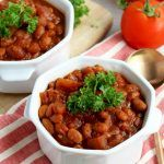 Ditch the Heinz cans and whip up this easy recipe instead. Baked Bean Recipes, Healthy Recipes, Heinz Baked Beans, Healthy Slow Cooker, Vegetable Puree, White Beans, Chana Masala, Easy Meals, Nutrition