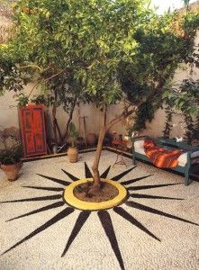 Super Ideas for bohemian patio small outdoor spaces Slate Patio, Concrete Patio, Cement Pavers, Pavers Patio, Patio Stone, Patio Plants, Stained Concrete, Outdoor Landscaping, Outdoor Decor