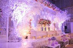 Setsuna and Amelia Wedding by Antheia Photography | winter themed decoration by Desketsa | Read more at www.weddingcarousel.com | #wedding #decoration #weddingdecor #winterthemed #photography #weddingjakarta #indonesianwedding #weddingcarousel