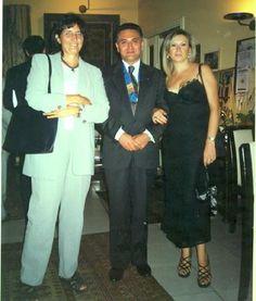 Prof. Dott. Maria Rosaria GIORDANO VILLANO, Presidente Rotary Club Prof. Dott. Raimondo VILLANO, Vice Direttrice della Soprintendenza dei Beni Artistici e Culturali di Napoli Prof. Ida MAIETTA (Pompei, Ristorante Il Principe, 2000).