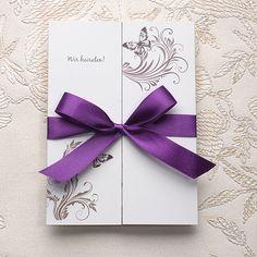 Lila Schmetterling Einladungskarte Hochzeit mit Satin Band OPL057