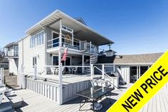 Which waterfront home in Lindenhurst has just been reduced $40,000?  Contact Netter Real Estate 631-661-5100 for a private showing of this fabulous home!  Offered $560,000