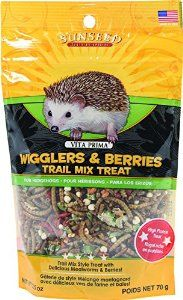 SUNSEED COMPANY 36035 Wigglers/Berry Vita Prima Hedgehog Trail Treat Mix, oz: Fun trail mix style treat with delicious mealworms & berries. High protein treat designed specifically for hedgehogs that encourages natural foraging instincts. Hedgehog Treats, Hedgehog Food, Hedgehog Care, Pygmy Hedgehog, Hedgehogs Pet Care, Baby Hedgehogs, African Hedgehog, Hedgehog Accessories, Trail Mix Recipes