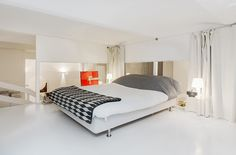 Home Design, Comfortable And Spacious Bedroom Interior Design With A Striking White Concept Equipped Extra Large Bed Plus Lampshades Plus Curtain On Glass Wall Ideas: Stunning Contemporary House Design with a Striking White Interior Small Apartment Decorating, Decorating Small Spaces, Apartment Design, Master Bedroom Design, Modern Bedroom, White Apartment, Stockholm Apartment, White Interior Design, Modern Interior