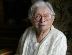 Blood of world's oldest woman hints at limits of life. Is there a limit to the number of stem cell divisions, and does that imply that there's a limit to human life? Hendrikje van Andel-Schipper reached the ripe old age of 115 at her passing in Cord Blood Banking, New Scientist, States Of Matter, Old Person, Good Genes, Fountain Of Youth, Healthy Women, Stem Cells, Alternative Health