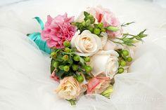 Ramo Novia / Bride Bouquet / Ideas Matrimonio / Wedding ideas Bride Bouquets, Floral Wreath, Wedding Ideas, Wreaths, Home Decor, Wedding Bouquets, Boyfriends, Bridal Bouquets, Floral Crown