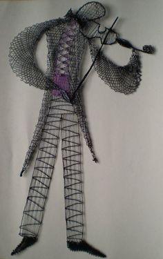 Subido por ... RODRIMAN ..... LRM Lace Art, Bobbin Lace Patterns, Lacemaking, Lace Jewelry, Lace Design, Irish Crochet, String Art, Lace Detail, Butterfly