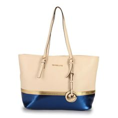 Bolsos - Bags - Michael Kors Jet Set Travel Matching Medium Ivory Blue Totes Are Fashionable Forever, Making You Popular All The Time.Choice It! Michael Kors Outlet, Michael Kors Jet Set, Handbag Accessories, Fashion Accessories, Mk Bags, Cool Style, My Style, Couture, Preppy Style