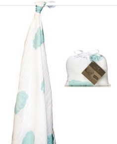 Organically Baby - Aden   Anais Sky Blue Swaddle Blanket from the Organic Muslin Collection, $20.80 (http://www.organicallybaby.com/aden-anais-sky-blue-swaddle-blanket-from-the-organic-muslin-collection/)
