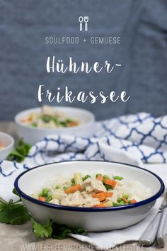 Rezept für Hühnerfrikassee mit Karotten, Erbsen, Spargel wie bei Mama | Recipe for Hühnerfrikassee, how it's called in Germany - that's a Onepot-Dinner with Chicken and vegetables, served with rice. Pure soulfood like my mum cooks it.