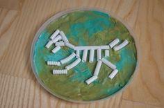 Skamieniały szkielet dinozaura