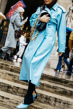 Street style: our favorite looks from Paris Fashion Week fall-winter - Page 6 Fashion Week, High Fashion, Fashion Beauty, Fashion Looks, Paris Fashion, Look Street Style, Street Style Looks, Vogue Paris, Parisian Chic