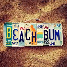 BEACH BUM License Plate Art - Made in Hawaii. ~Hangs with recycled chain, on cedar wood. Wallpaper Praia, Seashore Decor, Vsco Beach, License Plate Art, Beach Room, Beach Aesthetic, Summer Aesthetic, Photo Wall Collage, Picture Collages