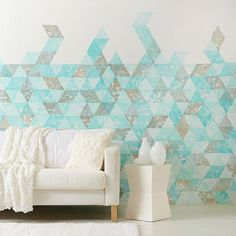 A fresh coat of paint can work wonders for a wall. But sometimes you need a little more pizzazz. These fresh ideas for wall treatments—like using reclaimed wood, painting an ombre pattern, or installing a mural—are guaranteed to liven up your space. Diy Wand, Faux Finishes For Walls, Diy Wall Painting, Faux Painting, Geometric Wall, Geometric Designs, Wall Treatments, Painting Techniques, Painting Tricks