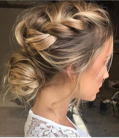 ♥ Pinterest: DEBORAHPRAHA ♥ This is a great romantic hairdo with braid and a bun, perfect for events, weddings, bridemaids, brides, etc.