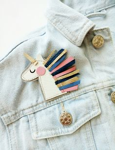 Unicorn/leather brooch/multicolored unicorn/pin unicorn/white unicorn/gift for girl/brooch for jacket/rainbow/hand made brooch/little gift Diy Fashion Accessories, White Unicorn, Unicorn Gifts, Brooches Handmade, Brass Color, Vintage Rhinestone, Gifts For Girls, Bead Art, Little Gifts