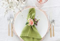 How to Create Napkin Rings Using Fresh Florals | Hunker