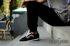 Trainer black Size : 40-44 Idr : 225.000 Wanna wearing sporty footwear ? Footstep provide sporty footwear for wearing casual dress, with suede material in the upper sole you can find how Indonesia brands look elegant and strong :)) #shoe #shoes #sepatu #sepatucowo #sepatucowok #jualsepatu #jualsepatumurah #jualsepatusportmurah #sepatusport #indonesia #indonesiabrands #localbrands #produklokal #freaksfootwearshop