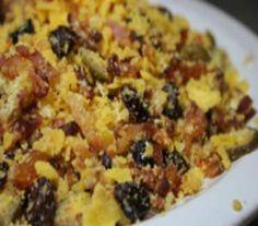 Farofa de natal com abacaxi Farofa Recipe, Dessert Drinks, Dessert Recipes, Confort Food, Food Porn, Diet Recipes, Healthy Recipes, Special Recipes, Food Inspiration