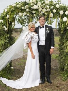 Geelong Cats star Tom Hawkins ties the knot with Emma Clapham | GeelongAdvertiser