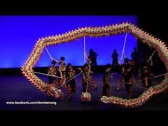 Chinese Dragon Dance - Kwok's Kung Fu & Dragon Lion Dance Team 郭氏功夫金龍醒獅團 - YouTube