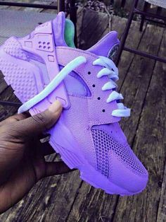 nike, huarache, and purple image Cute Sneakers, Sneakers Mode, Sneakers Fashion, Shoes Sneakers, Basket Style, Huaraches Shoes, Fresh Shoes, Nike Air Huarache, Custom Shoes