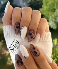 Black and White Valentines Nails - Ongles 02 Best Nail Art Designs, Simple Nail Designs, Nice Designs, Nagel Stamping, Almond Acrylic Nails, Acrylic Gel, Lace Nails, Glitter Nails, White Nail Art