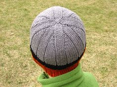 Child ribbed hat, also in adult sizes, free knitting pattern