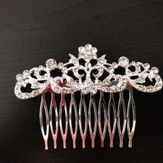 Peneta Valeria – Novias Low Cost Crown, Jewelry, Fashion, Bridal Headpieces, Tent, Boyfriends, Wedding, Jewellery Making, Corona