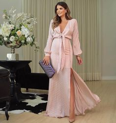 Inexpensive Wedding Venues Near Me Product Maternity Gowns, Stylish Maternity, Maternity Fashion, Gala Dresses, Dress Outfits, Casual Dresses, Fashion Outfits, Pregnancy Looks, Pregnancy Outfits
