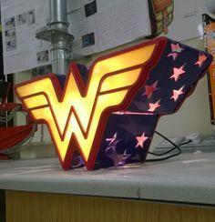 Marvel Comic Heroine Lamp Light Wonder Woman