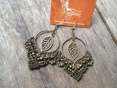Hey, I found this really awesome Etsy listing at https://www.etsy.com/es/listing/180433716/micro-macrame-earrings-in-kaki-boho