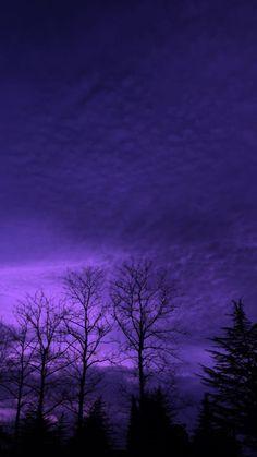 Dark Purple Aesthetic, Violet Aesthetic, Lavender Aesthetic, Aesthetic Colors, Aesthetic Images, Aesthetic Backgrounds, Aesthetic Art, Aesthetic Wallpapers, Indie Photo
