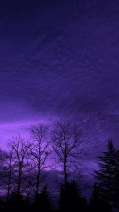 Violet Aesthetic, Dark Purple Aesthetic, Lavender Aesthetic, Aesthetic Colors, Aesthetic Images, Aesthetic Backgrounds, Aesthetic Iphone Wallpaper, Aesthetic Art, Aesthetic Wallpapers
