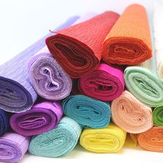 Crepe Paper in vibrant colors, perfect for floral crafts and DIY decorations! Stretchy and strong, crepe paper is perfect for shaping petals of flowers and leaves. Wrapping Ideas, Gift Wrapping, Mardi Gras Party, Mad Hatter Tea, Wonderland Party, Crepe Paper, Event Decor, Diy Tutorial, Envy